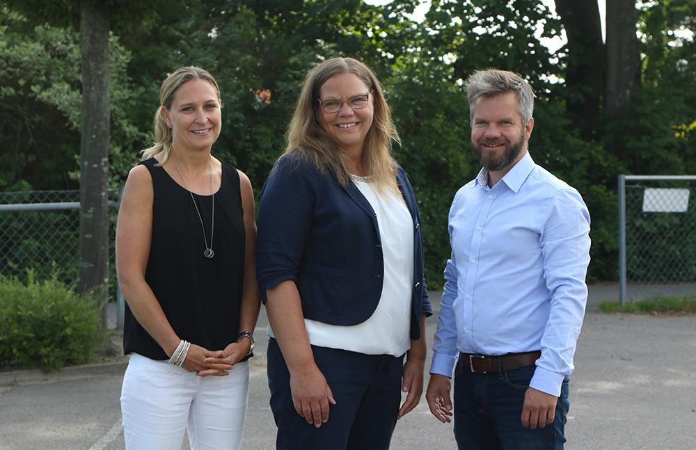 Camilla Lönnegren, Camilla Follrud och Stig Hasselgård i Rebbelberga rektorsområde. Foto: Exakta Foto